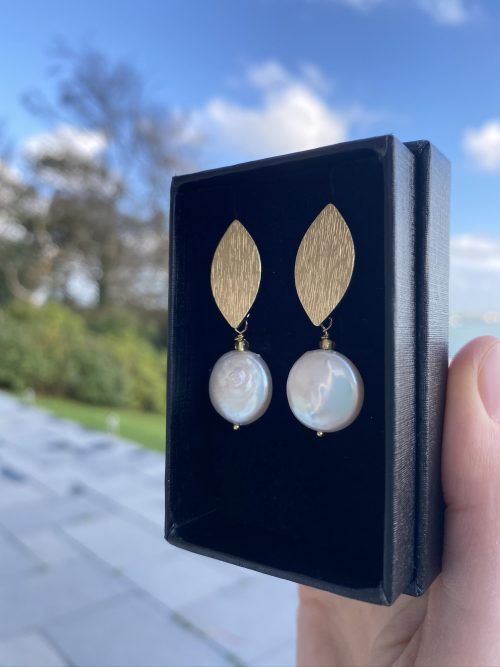 Cultured Pearl with Gold Earring